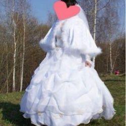 Свадебное платье в отличном состоянии р.44-48