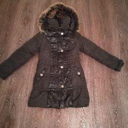 Bir kız için bir aşağı kat palto satıyorum 1; 40-1; 50 yükseklik