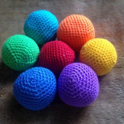 Toy knitted Balls