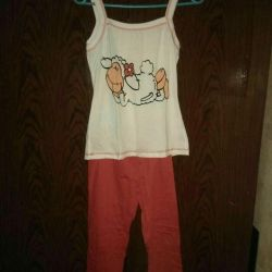 T-shirt + pantolon takım elbise takımı. R. 42