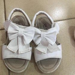 Prenses için sandalet