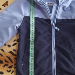 Windbreaker in excellent condition for a boy 3-4 years