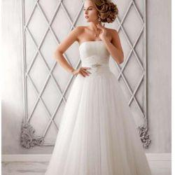 Свадебное платье А-силуэт.