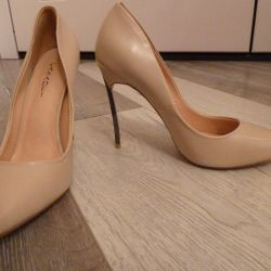Super-stylish shoes with high heels