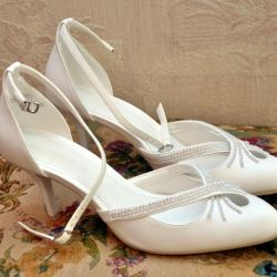 Wedding Shoes. Selling.