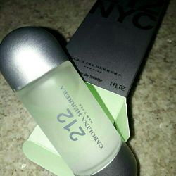 Parfum NOU Carolina Herrera 212, 50 ml.