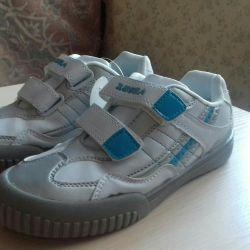 Yeni spor ayakkabı pp 35