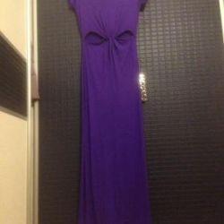 bel yarıkları ile uzun elbise