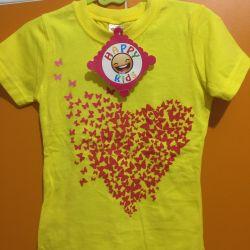 T-shirt. New. 104-110