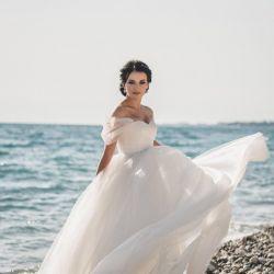 Wedding dress of Elana