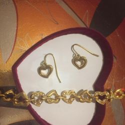Κοσμήματα - ένα σύνολο σκουλαρικιών με βραχιόλι