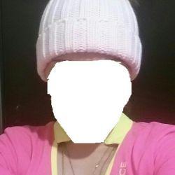 Yeni şapka, pompon ile doğal kürk