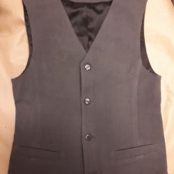 Vest for a boy 100% wool height 146cm