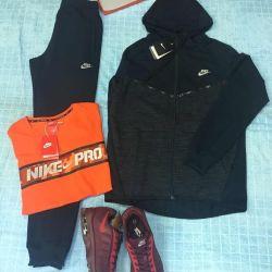 Спортивные костюмы Nike, унисекс, новые