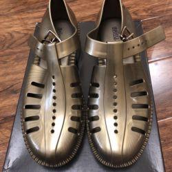 Pantofi noi Melissa