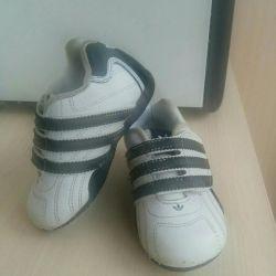 Spor ayakkabı Adidas Kids 21 beden