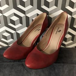 ? Red leather shoes, 38 size