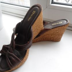 Sabo-Sandals on a wedge