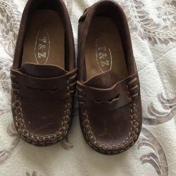 Moccasins, δερμάτινα χαμηλά παπούτσια στο αγόρι