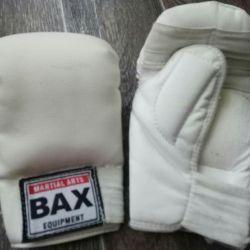 Γάντια από καράτε