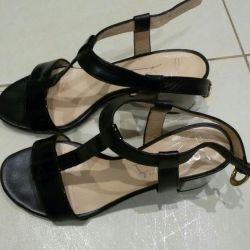Sandalet İtalya р.35 deri