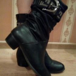 Autumn boots 36r.
