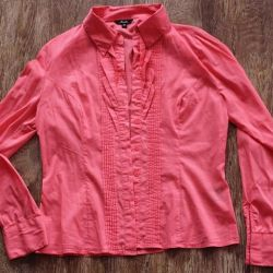 Women's shirt and blouse