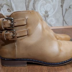 Zara leather shoes for a girl