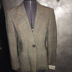 Jacket female 46 r, cashmere, Italy, in a cage