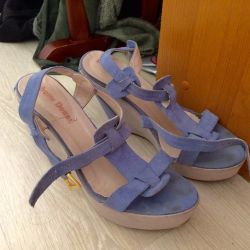 Sandals on a wedge