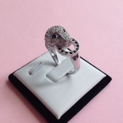 selling female ring