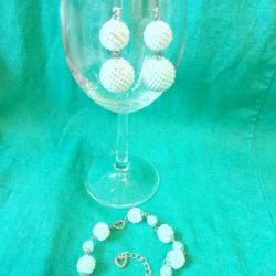 Set of earrings and bracelet from Czech beads