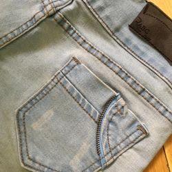 Light blue skinny jeans ???