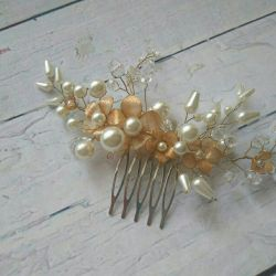 Wedding comb in hairstyle