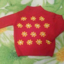 Фирменный теплый свитер