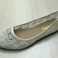 Openwork ballet shoes