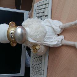 souvenir monkey snowball