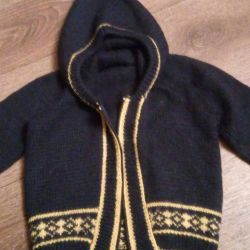 Warm sweater with hood for 1,5-2.5 years old
