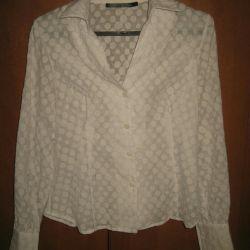 White blouse, 46r