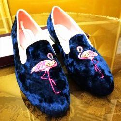 New velvet slippers with pink flamingos