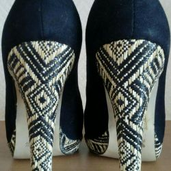 Shoes size 35