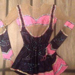 Costum de baie pentru gimnastica ritmica
