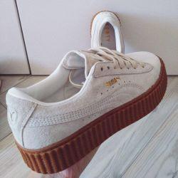 Rihanna spor ayakkabılar tarafından Puma Fenty
