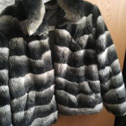 Short fur coat of imitation fur chinchilla