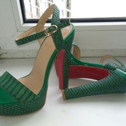 Sandale. R. 36