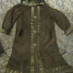 Sheepskin coat made of natural sheepskin