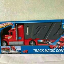 Huge auto transporter Hot Wheels with cars