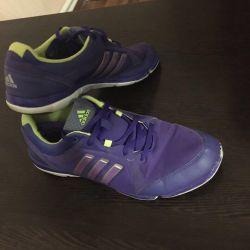 Αθλητικά παπούτσια Adidas 40 r.