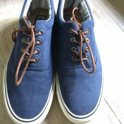 Springfield sneakers new