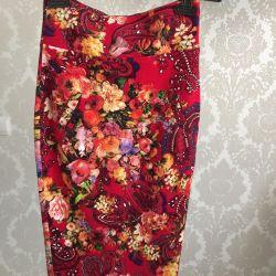 Νέα υψηλή φούστα με μέση